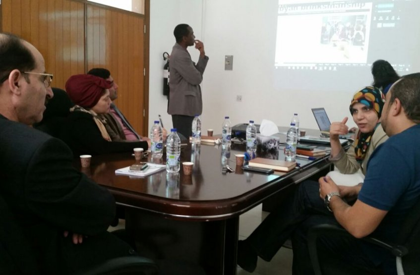Lively Discussion about PressReader at Khalifa Library