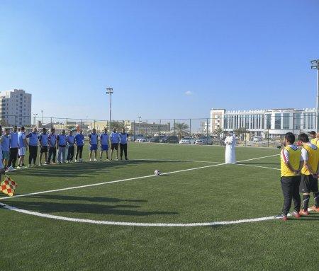 مباراة ودية بين الأكاديميين والإداريين في افتتاح بطولة