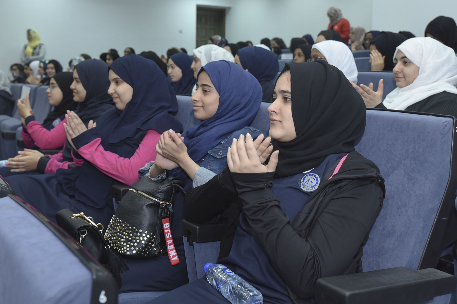اليوم السابع (أكاديمية الخليج الدولية الخاصة ضد المدرسة الدولية الخاصة)