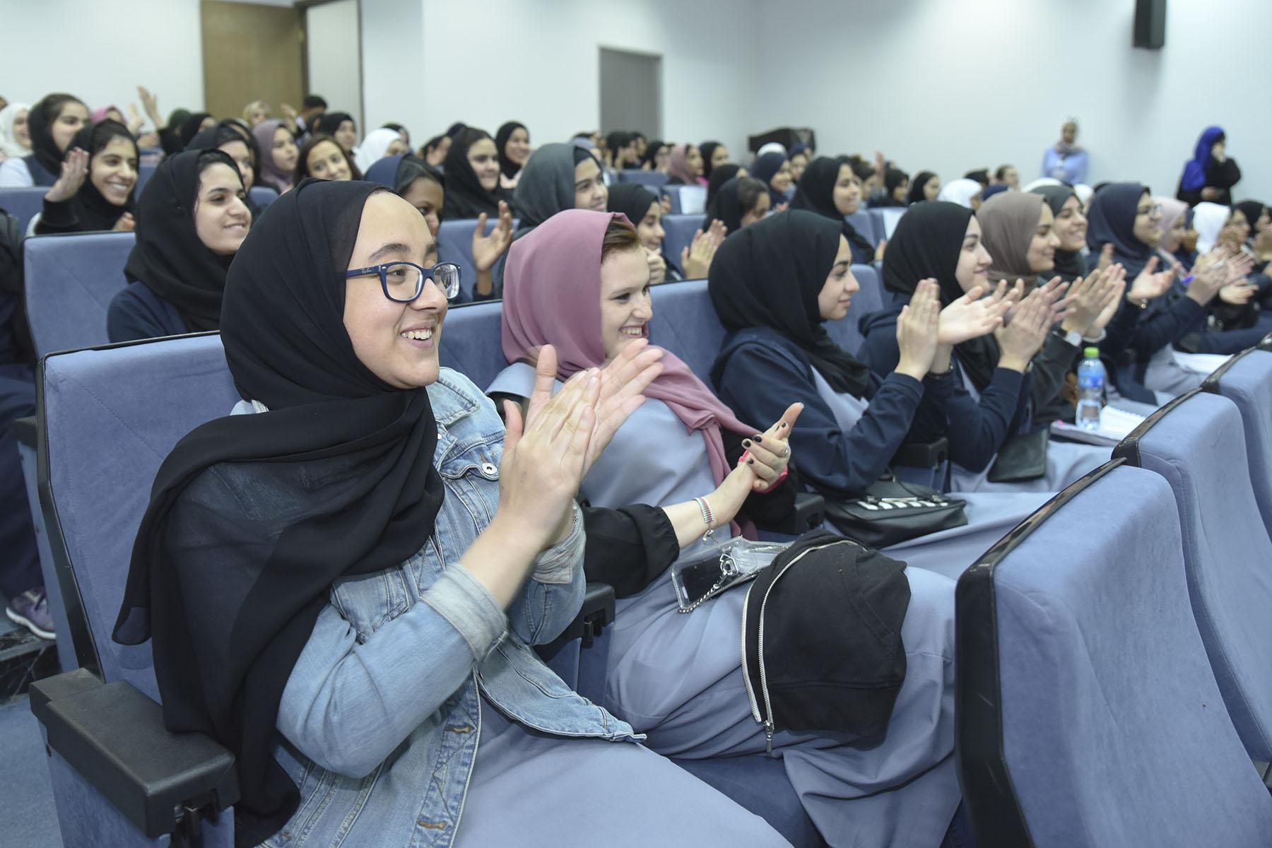 اليوم الثامن (مدرسة الإمارات الخاصة ضد المدرسة الدولية الخاصة)